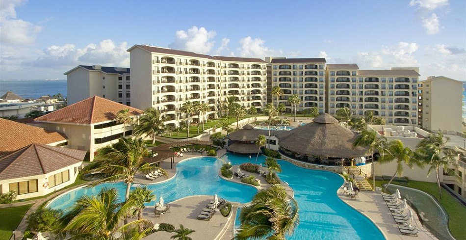 Emporio Cancun Family Suites